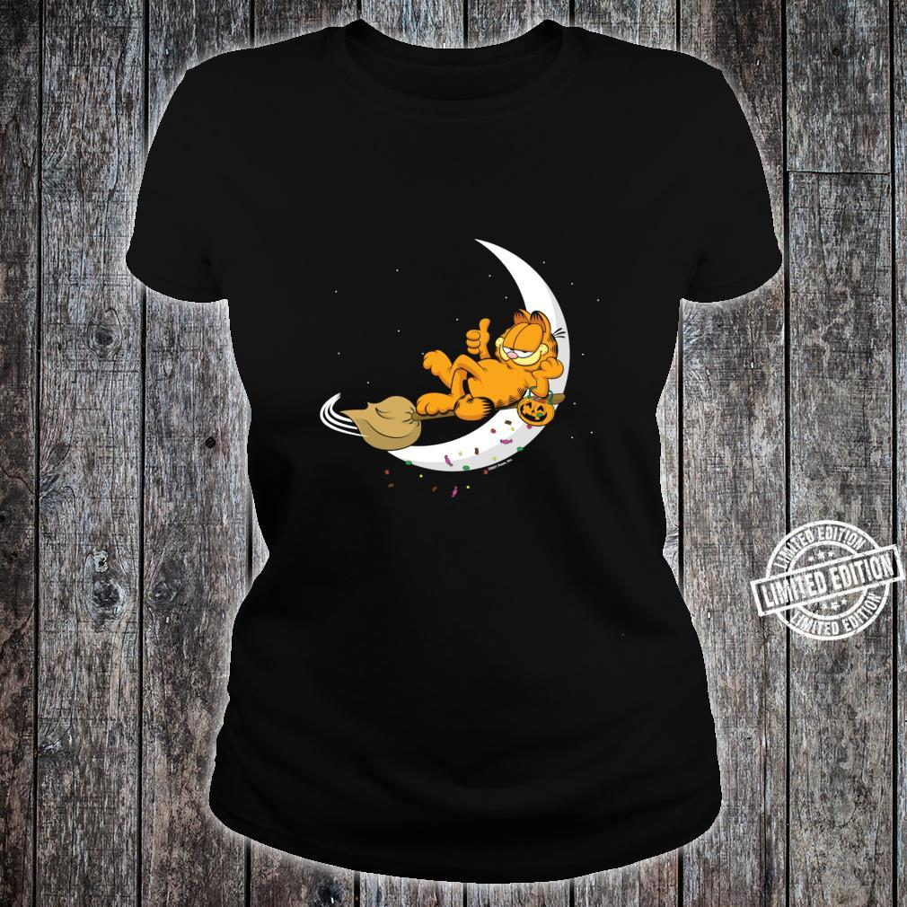 Garfield Halloween Crescent Moon Broom Riding Garfield Shirt ladies tee