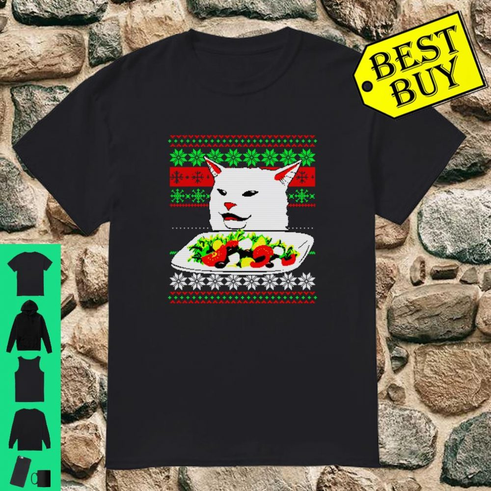 Frau, die an Cat Ugly Christmas Sweater Meme Design schreit Shirt