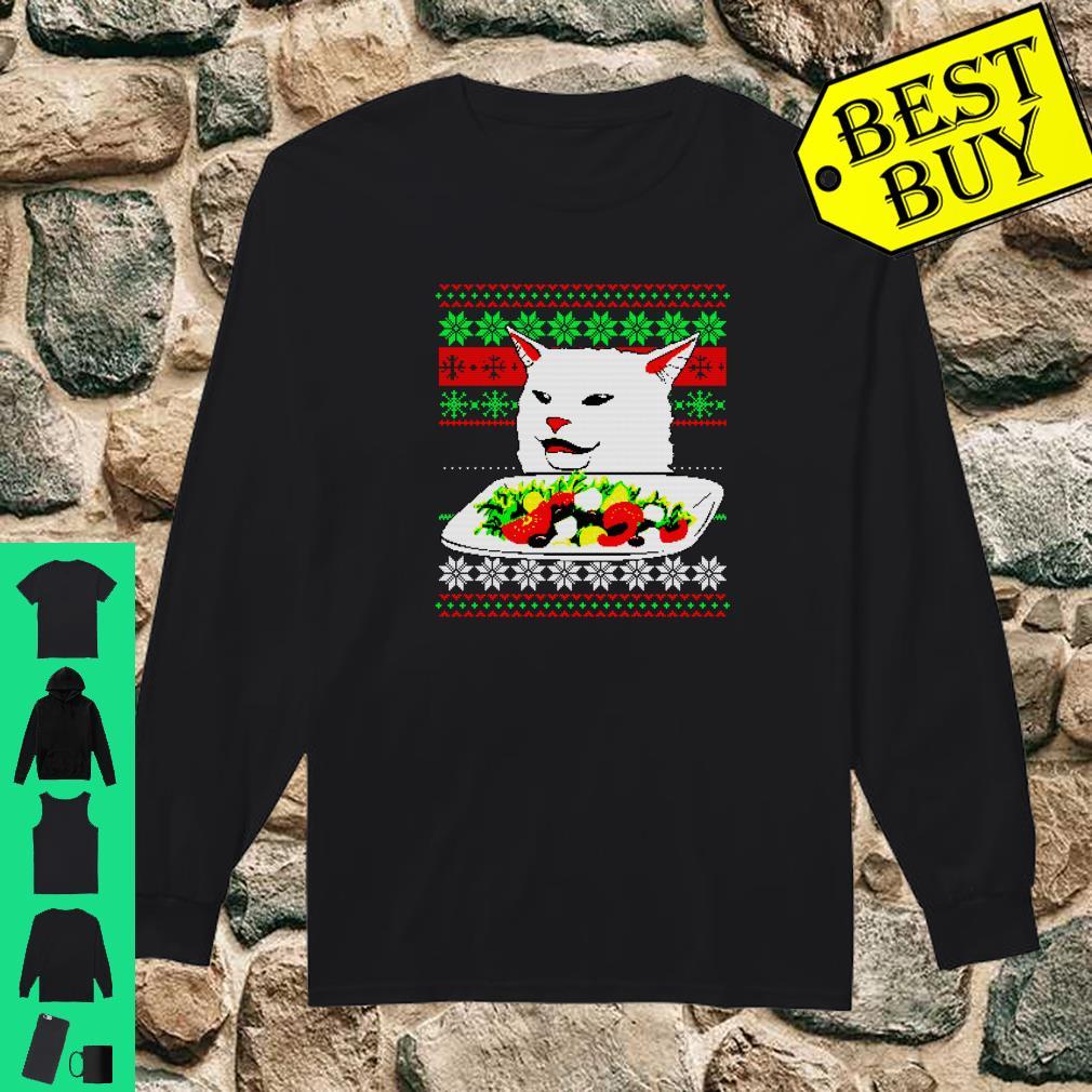 Frau, die an Cat Ugly Christmas Sweater Meme Design schreit Shirt long sleeved