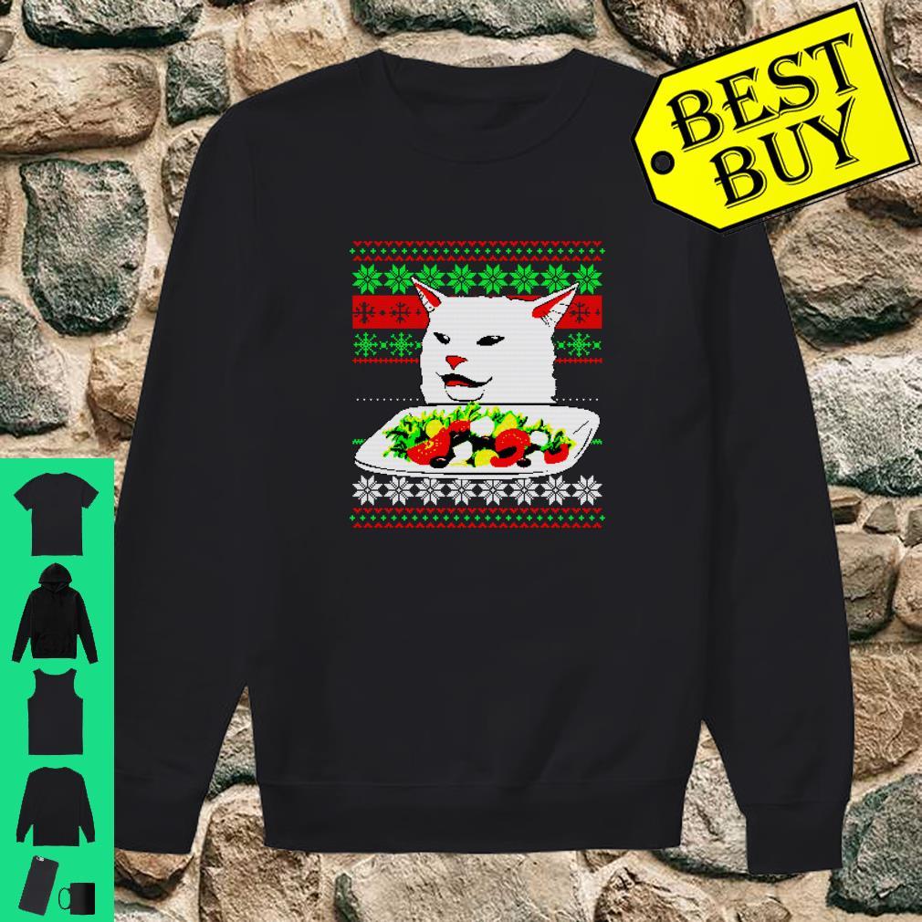 Frau, die an Cat Ugly Christmas Sweater Meme Design schreit Shirt sweater