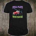 Spielt immer noch mit LKWs Semi Truck Trucker Logger Shirt